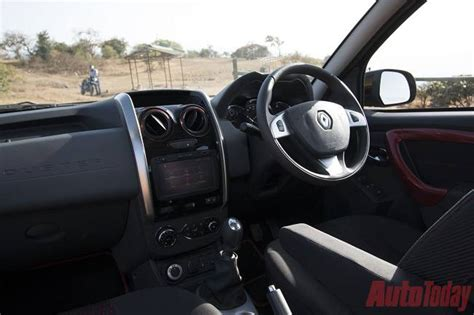 renault duster 2016 interior 2014 renault duster vs 2016 renault duster