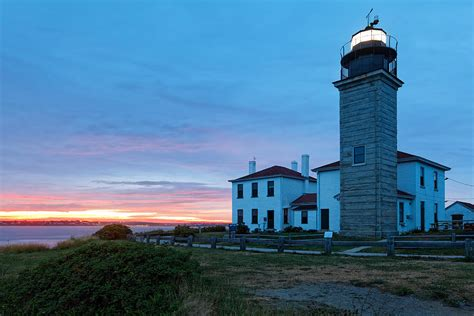 Lighting Stores In Ri by Sunset View Of The Beavertail Lighthouse Photograph By