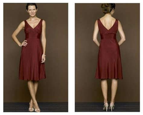 what color shoes to wear with burgundy dress breeds