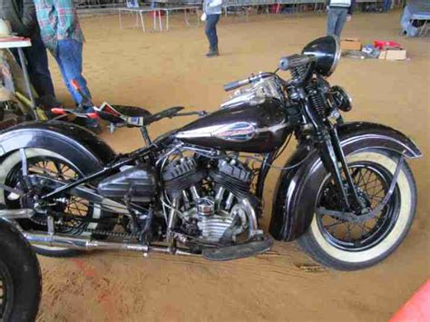 Braun B Triumph 2852 by 1941 Harley Davidson Flathead Topseller Harley Davidson
