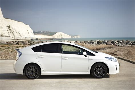 how petrol cars work 2011 toyota prius head up display pimped up special marks 10 years of prius in the uk drivingtalk