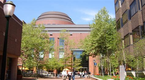Wharton School Of Business Mba Tuition by Upenn Wharton School Of Business Huntsman Cerami