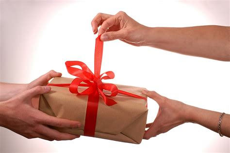christmas gift ideas for friends and family