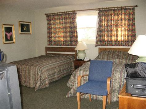Cumberland Falls Cabins by Woodland Room 626 2 Beds Picture Of Cumberland