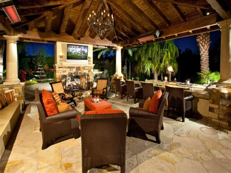 Outdoor Kitchen Covered Patio Ideas