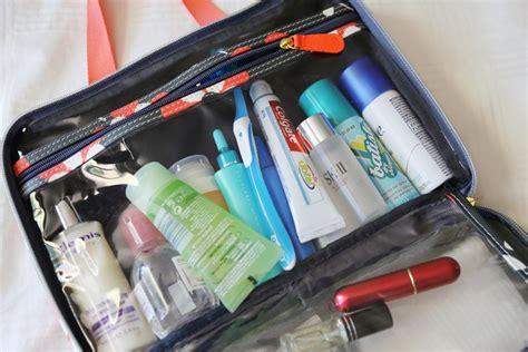 Pigeon Paket Toiletries Mini Pack limakaki ingin travelling jangan lupa bawa barang
