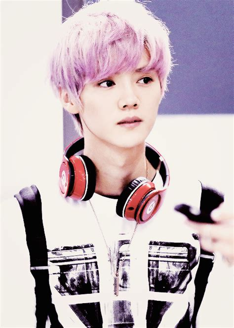 pink luhan luhan is bae with pink hair don t lie you love it too