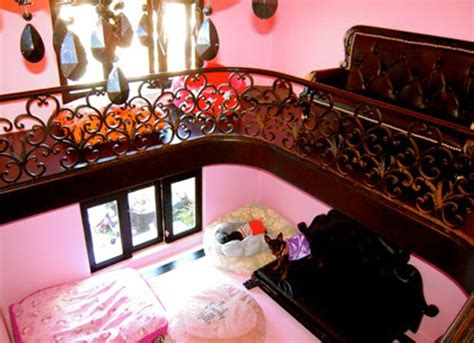 paris hilton house interior 11 luxury dog houses worthy of mtv cribs barkpost