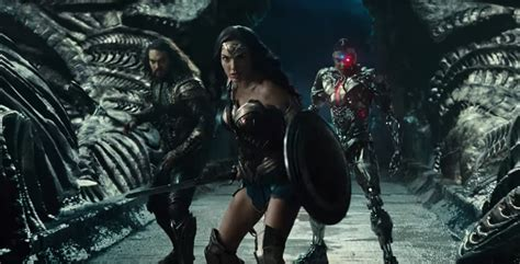 Justice League Film Bad Guy | everyone s fighting bad guys in first justice league trailer