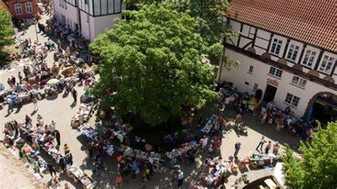 Flohmarkt Bad Oeynhausen by Nachrichten Minden Flohmarkt Auf Dem Johanniskirchhof