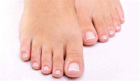 imagenes de unas delos pies bonitas pedicura r 225 pida para unos pies bonitos