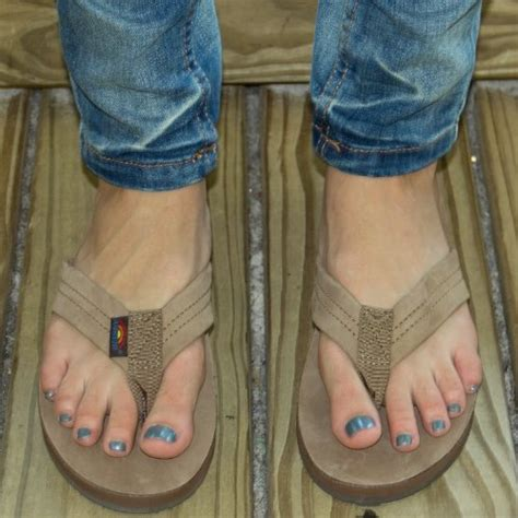 how to wear in rainbow sandals rainbow sandals women s premier leather stack wide