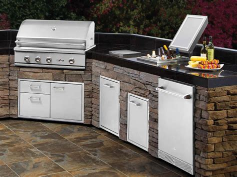 outdoor kitchen doors and drawers