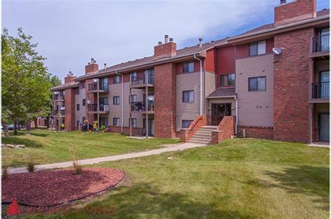 Meredith Apartments Des Moines Iowa Westchester Square Apartments In Des Moines Ia Ratings