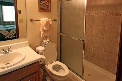 bathroom on the right song book winter song steamboat springs colorado all cabins