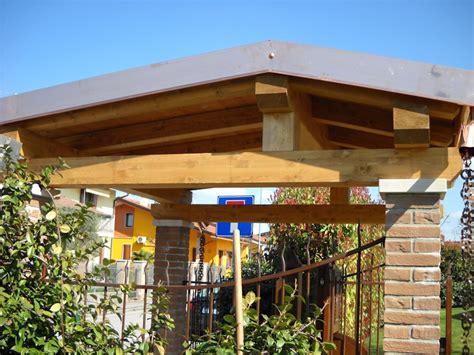 tettoie in legno per cancelli copertura in legno ingresso pedonale coperture edili e tetti
