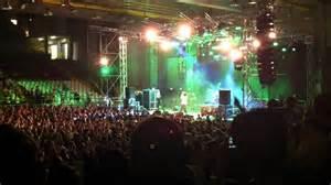 musica live pavia quot vieni a ballare in puglia quot caparezza live palaravizza