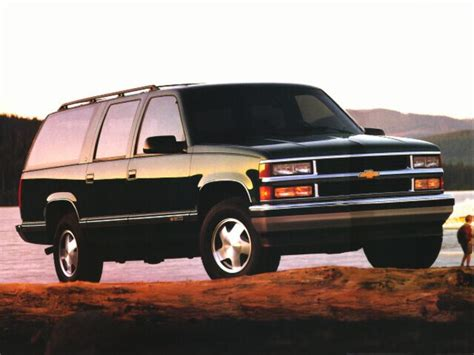 all car manuals free 1997 chevrolet suburban 1500 user handbook 1997 chevrolet suburban 1500 specs safety rating mpg carsdirect
