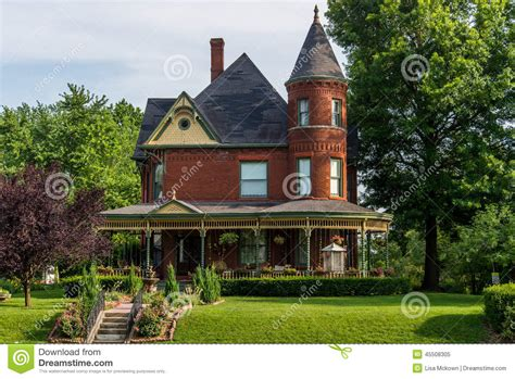 imposing edwardian house with magnificent landscaped victorian brick bed and breakfast home stock photo image