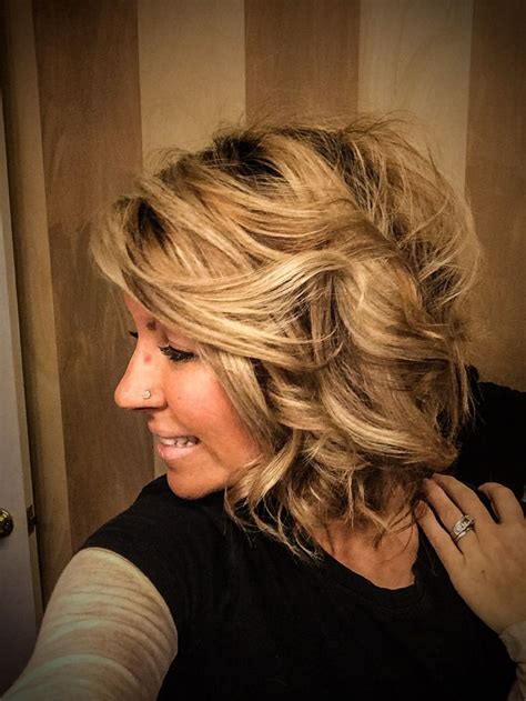 wavy aline haircut too cute hairstyles pinterest loose curly short hair 3 4 inch curling iron angled bob