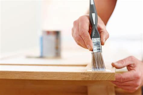 Tisch Lackieren Schleifpapier by Holztisch Wei 223 Lackieren 187 So Gehen Sie Dabei Vor
