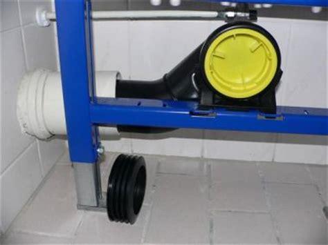 hangend toilet afvoer lekt horizontale aansluiting afvoer toilet