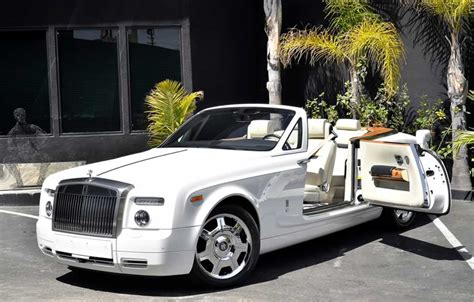 rolls royce white convertible rolls royce drophead coupe convertible herts rollers