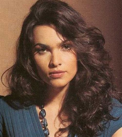 haircuts long curly hair round face 20 long curly hairstyles for round faces hairstyles