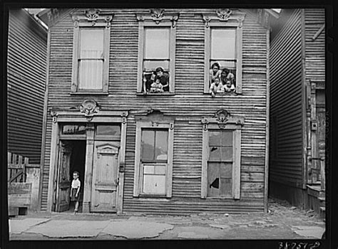 section 8 office in chicago tom clark russell lee south side of chicago april 1941