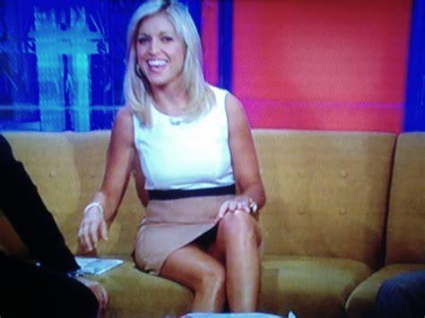 best legs on fox news upskirt johnny roastbeef on twitter quot ainsley earhardt upskirt
