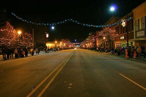road trip    michigans  magical christmas towns