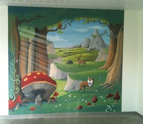 fresque murale chambre enfant fresque murale au decor foret enchantee animaux peint sur