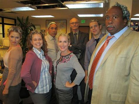 cast snapshots the office theoffice snap happy with