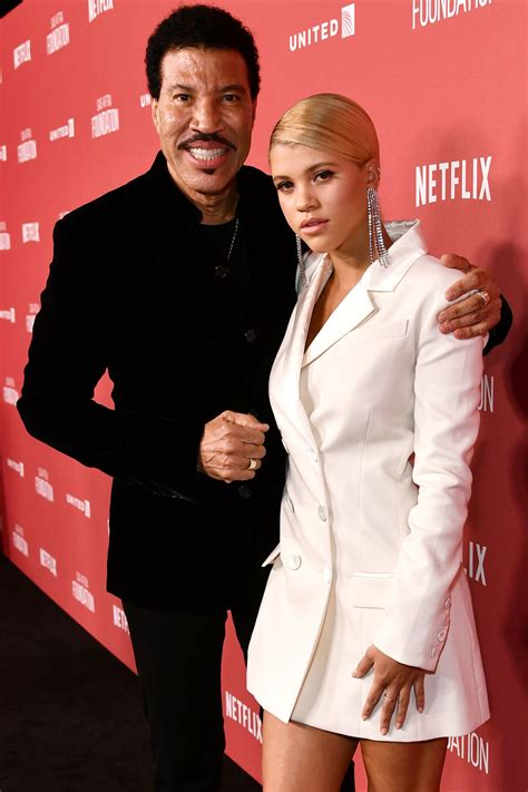 lionel richie photos photos site of nicole richie and lionel richie daughter sofia make first red carpet