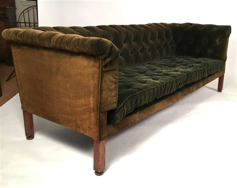 Chesterfield Sofa Velvet 19th Century Green Tufted Velvet Chesterfield Sofa At 1stdibs