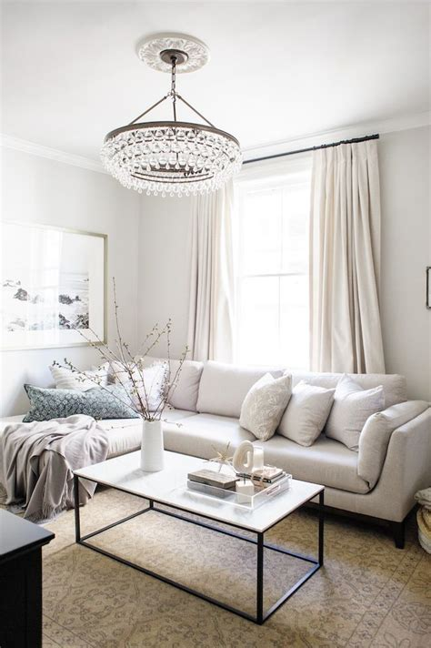 chandelier in living room 25 best ideas about living room lighting on pinterest