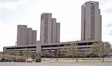 Apartment Buildings For Sale Detroit Riverfront Towers Apartment Buildings For Sale Crain S
