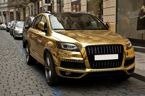 Folie Gold Auto by Metallic Gold Car Stock Photo Image Of Parked Metal