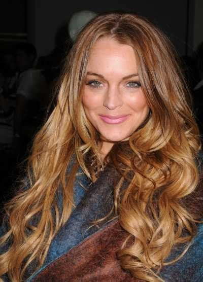 lindsay lohan with medium ash blonde hair very long and curly source hairstyles7 net beautiful hairstyle of lindsay lohan
