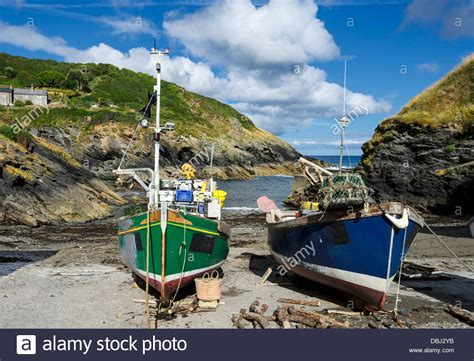 fishing boat on the beach colourful fishing boats on the beach at portloe a small