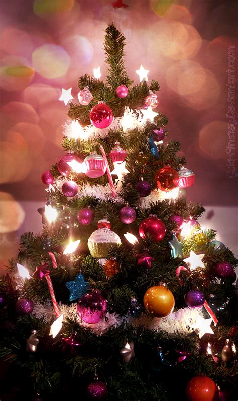super shiny awesome and gaudy christmas tree by yuki