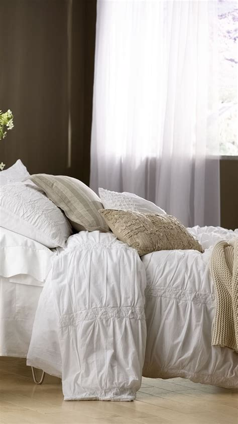 fluffy white comforter 17 best ideas about fluffy white bedding on pinterest