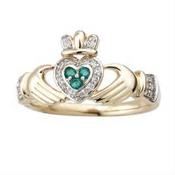 clatter ring 14k gold emerald claddagh ring
