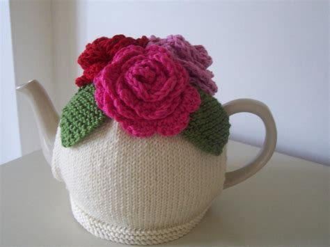 tea cozy knitting pattern quot summer roses quot tea cosy by buzybee craftsy