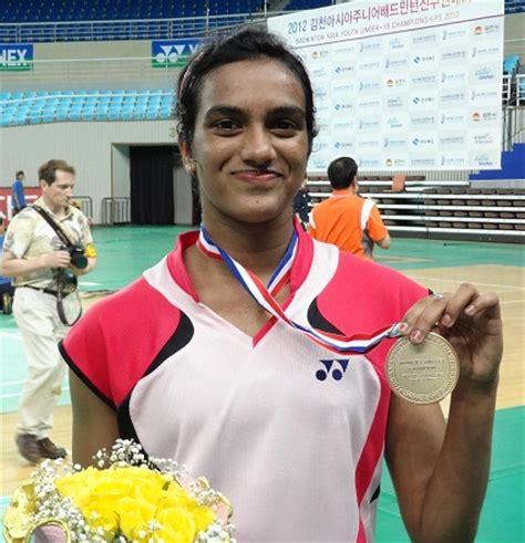 biography of pv sindhu pusarla venkata sindhu rio olympic medal winner 2 pic
