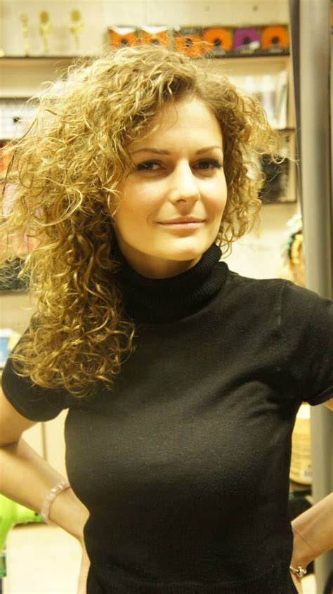 hair perming fetish story 30 best big curls perm images on pinterest braids perms