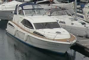 luxury cruising boats images