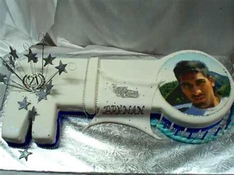 Guru Chef Rohan Creates A St  Ee  Birthday Ee   Key Shaped Cake