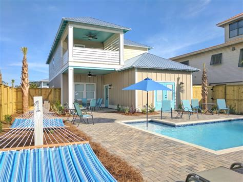 beach houses in destin fl blue coconut 8 bed 7 bath the destin beach houses