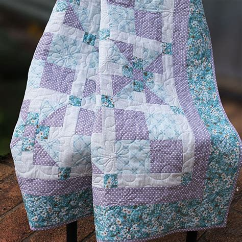 quilt pattern snuggle blossom crib quilt pattern